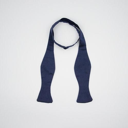 Bowtie for gentlemen to tie yourself. For tuxedo and wedding. Dark Blue