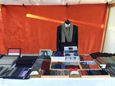 Herren Accessoires wie Schal, Fliegen, Einstecktück von Heng Fashion.