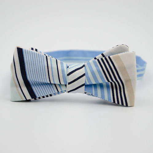 Men bowtie approx. 6x12cm. Adjustable and pre-tied. Blue + stripes