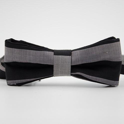 Fliege für Herren Anzug/Hemd aus Seide. Vorgebunden. Ca. 6x12cm.Schwarz+Silber