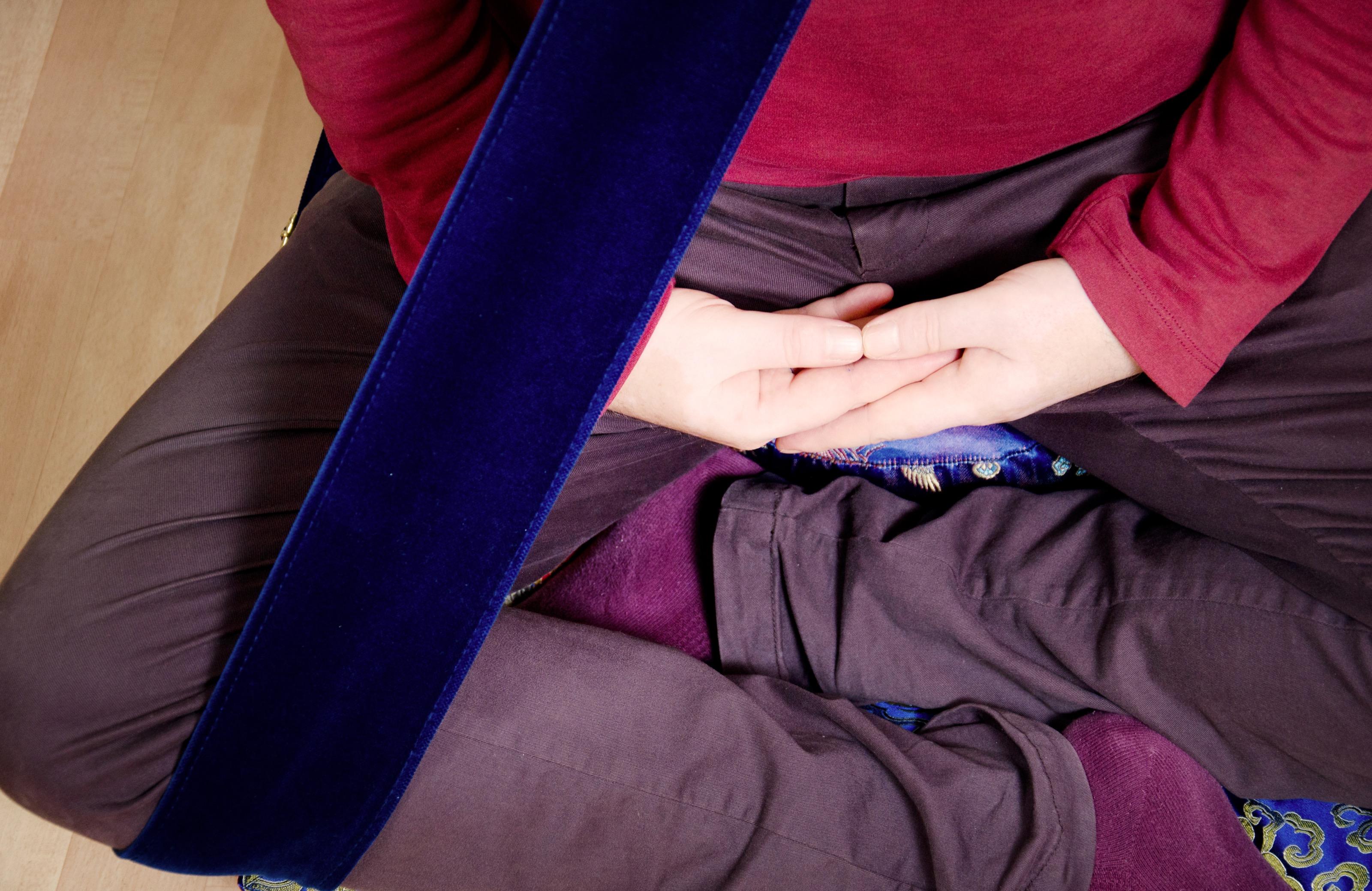 Meditation Gürtel in Sitze Position