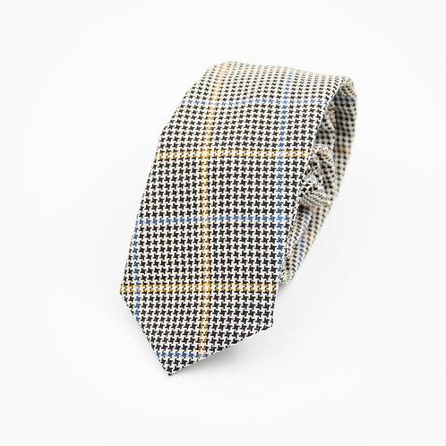 Necktie made of wool cir. 7x145cm. Handmade in Berlin. Houndstooth. Black
