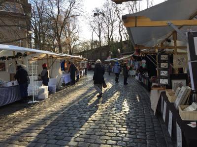 Kunst und Weihnachtsmarkt am Mexikoplatz in Zehlendorf. Heng Fashion Teihname