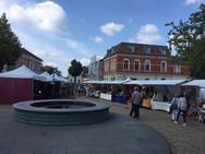 Kunstmarkt in Weder in Brandenburg - Heng Fashion Teihname