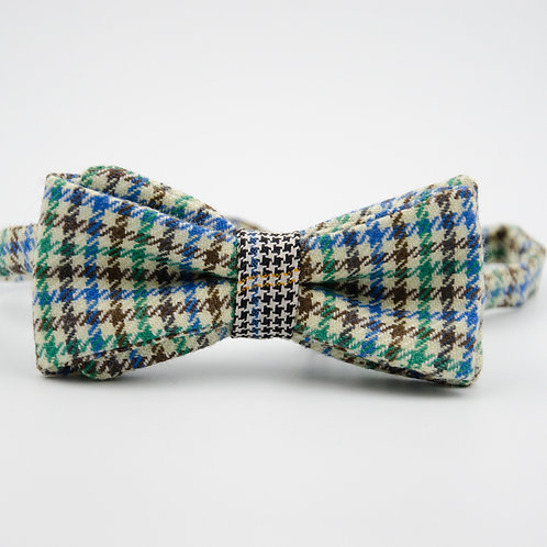 Bowtie for men suit/shirt.Pre-tied. Approx. 6x12cm. Green +Vichy