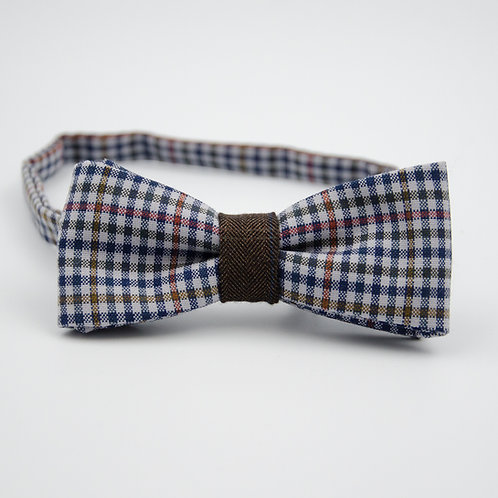 Bowtie for men suit/shirt.Pre-tied. Approx. 6x12cm. Dark blue. Check