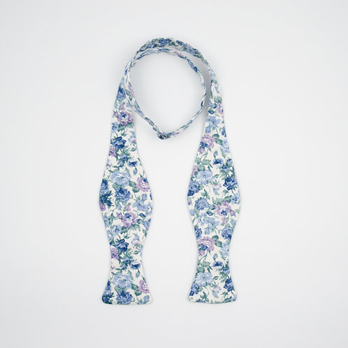 Bowtie for men to tie yourself for shirt or jacket. Floral print.Lavender