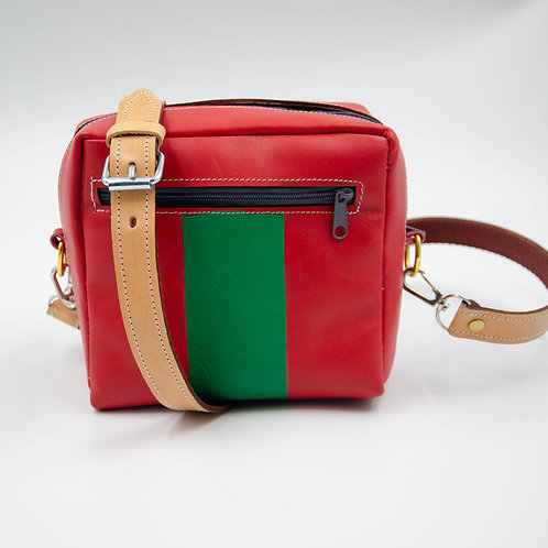 Small leather shoulder bag cir.18x15x7cm.red. Handmade in Berlin