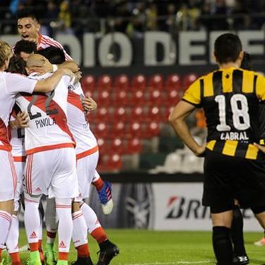 Guaraní 0 River Plate 2