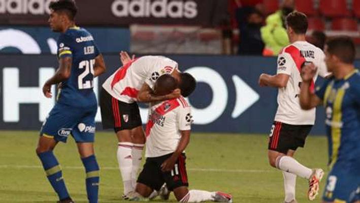 River Plate 2 Rosario Central 1.jpg