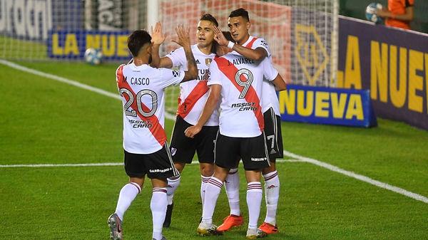 River Plate 4 Defensores de Pronunciamie