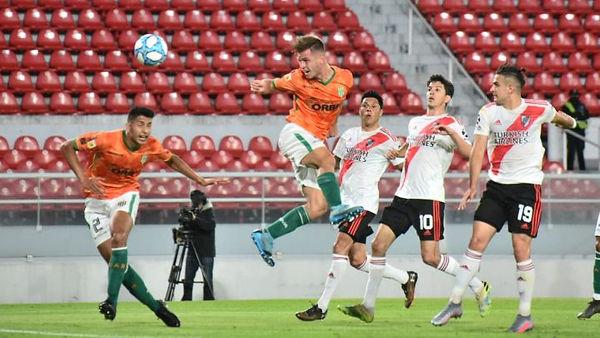 River Plate 1 Banfield 3.jpg