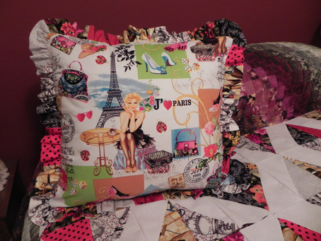 Je t'aime Paris - Pillow (and Quilt)