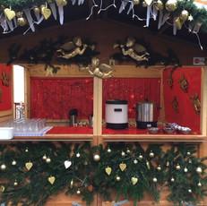 Goldenes Weihnachtsmarktbüdchen