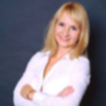 Илона Южакова