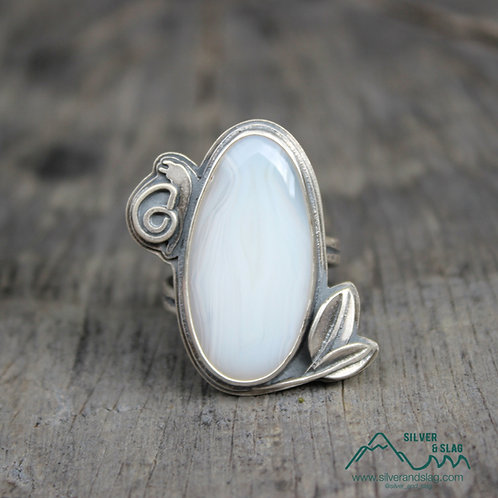 Malibu Agate set in Sterling Silver Snail & Leaf Statement Ring - Size 8.5