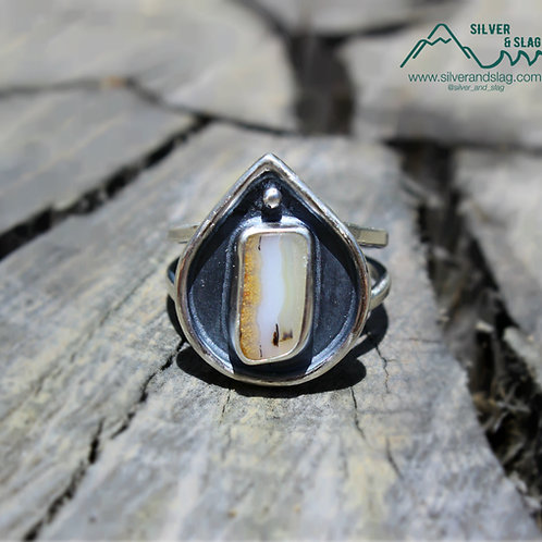 Small Malibu Agate set in Sterling Silver Ring - Size 7.5      | Silver & Slag |
