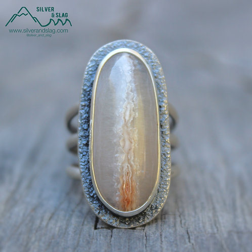Gorgeous Malibu Seam Agate set in Sterling Silver Statement Ring - Size 7