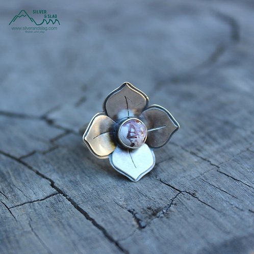 Tiny Mojave Desert Agate set in Sterling Silver Wildflower Ring - Size 8.75
