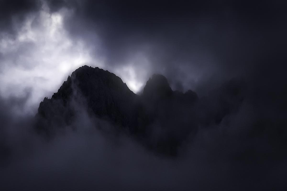 """""""Dark peaks"""""""