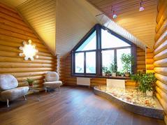 Внутренняя отделка стен деревяннымБлок хаусом