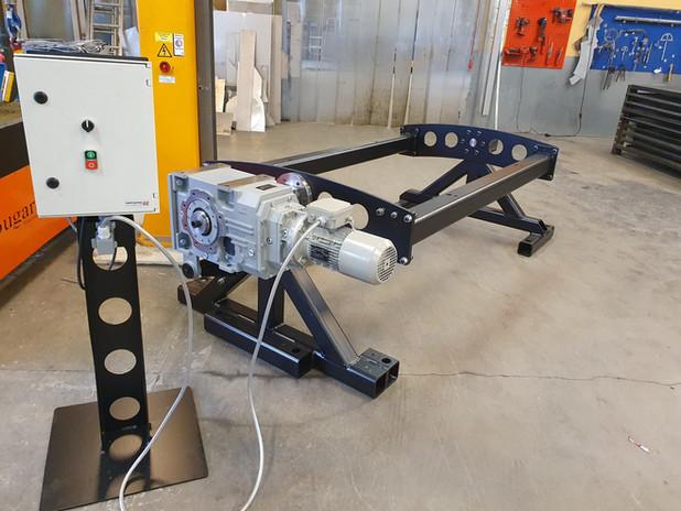 Design og produksjon av tunestand for Bertel O. Steen