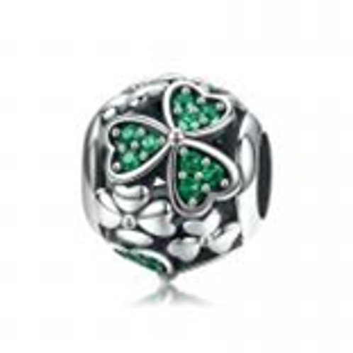 Gorgeous Green CZ Clover Leaf Pendant in Sterling Silver