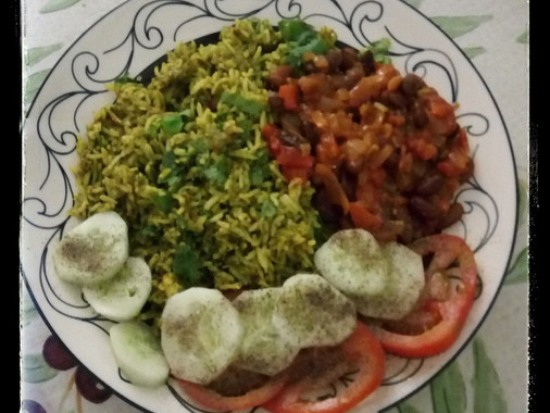Spinach Rice with Kidney Beans & Salad