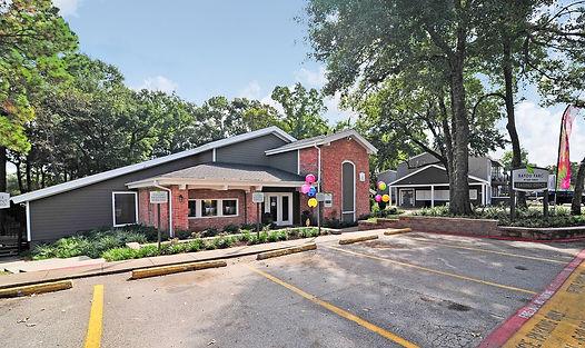 Leasing Center Exterior.jpg