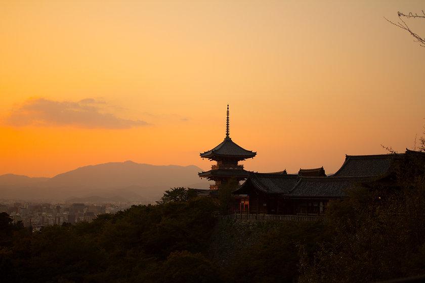 kyoto-_Kiyomizu_Temple-m.jpg