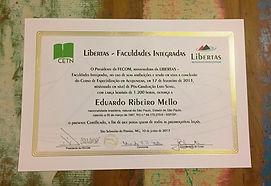 Certificado Pos Acupuntura_edited.jpg