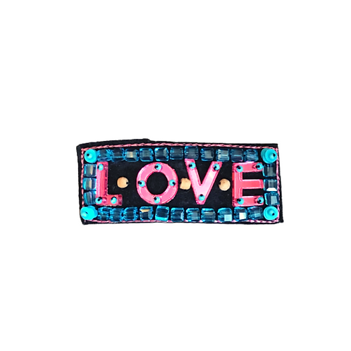 LOVE Brooch - Embroidery Pink
