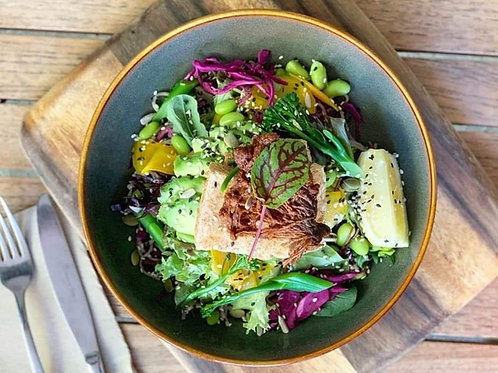 RAW LEAN& GREEN BOWL WITH GRILLED SALMON