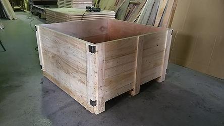 輸送用木箱