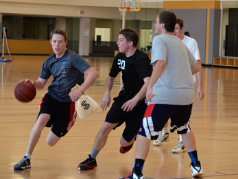 Intramural basketball team under scrutiny for paying players