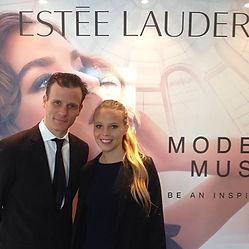 Anfitriones Estee Lauder