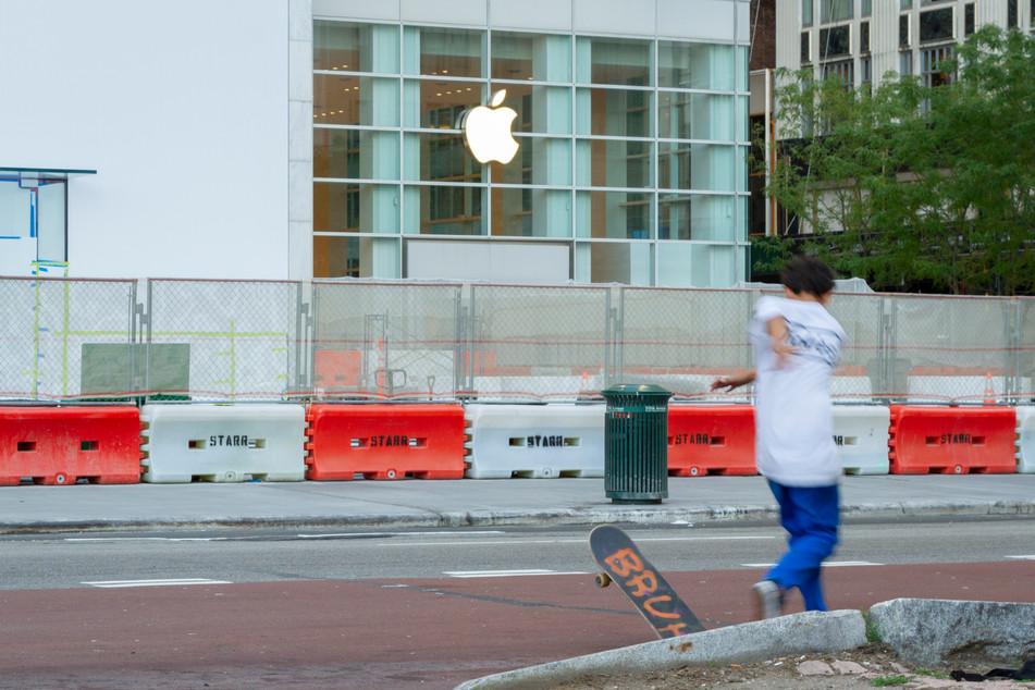 Apple Bruh