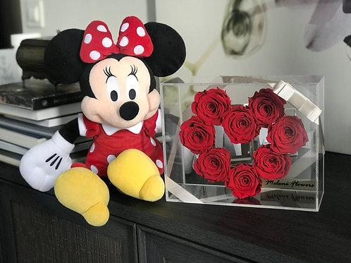 Kalp Şeklinde Kırmızı Solmayan Güller Kopyası