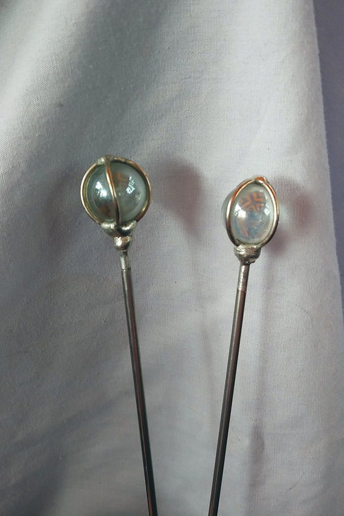 Set of 4 clear hairpins