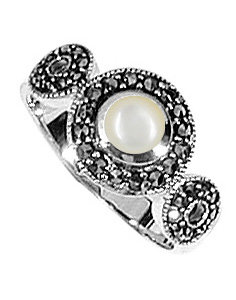 #089 Marcasite White Mother Of Pearl Ring