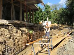 gewaltige Steine im Weg - das neue Fundament und sein Hürden