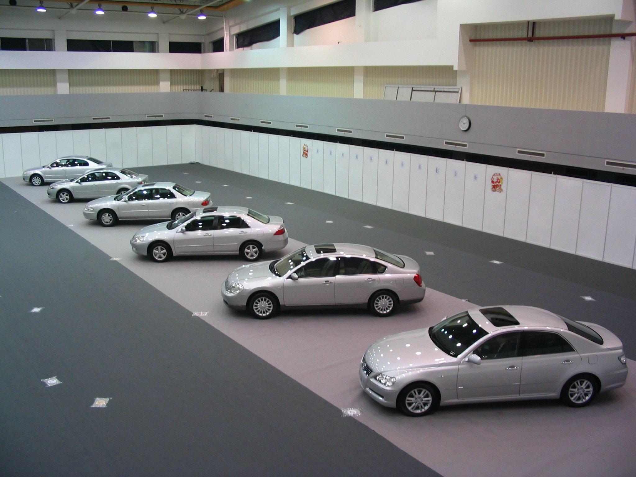 Hard Walls for Car Clinics