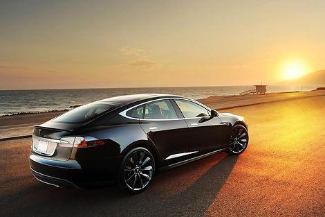 Tesla-Model-S-Sunset-Beach.jpg