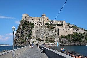 Италия Арагонский замок.JPG
