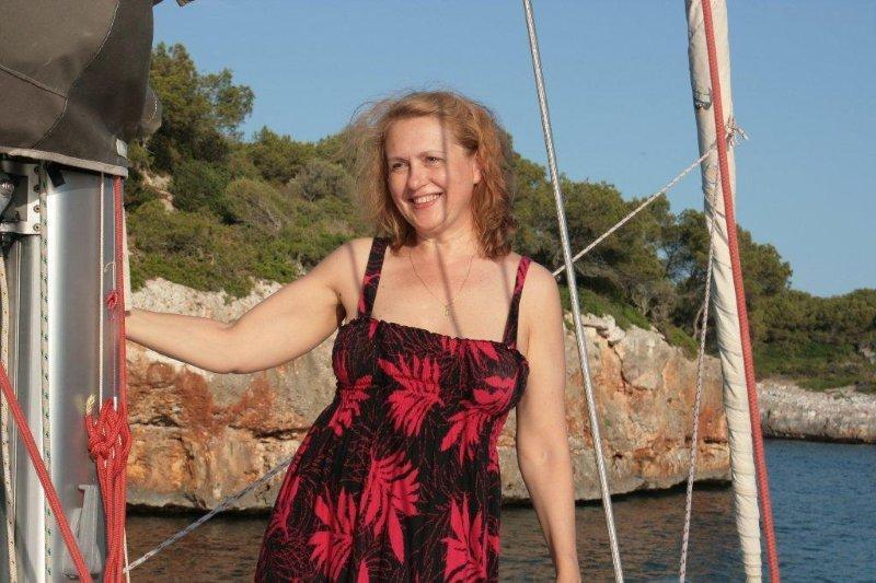 девушки на парусной яхте (23)