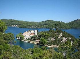 Хорватия Млет церковь на острове — копия