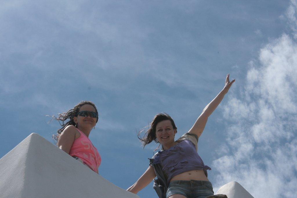 девушки на парусной яхте (12)