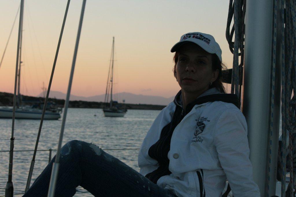 девушки на парусной яхте (18)