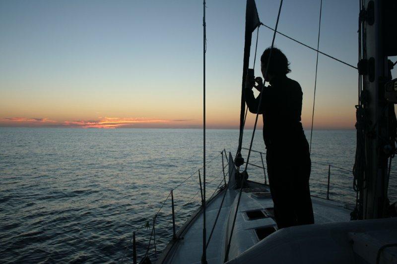 рассвет на парусной яхте (2)