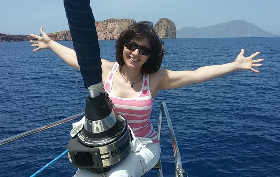 девушки на парусной яхте (27)